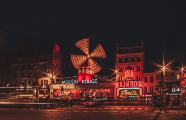 Moulin-Rouge Paris